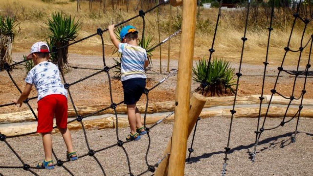 Η παιδική χαρά της γειτονιάς, στο Χαϊδάρι ούτε με το κυάλι